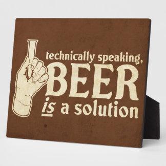 técnicamente hablando, la cerveza es una solución placas