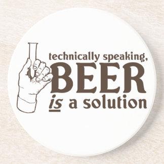 Técnicamente hablando, la cerveza es una solución posavasos diseño