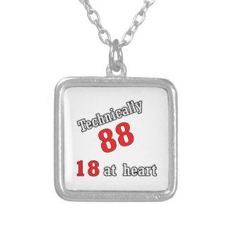 Técnico 88, 18 en el corazón colgante cuadrado