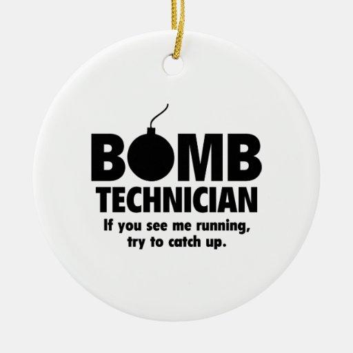 Técnico de la bomba adorno de reyes
