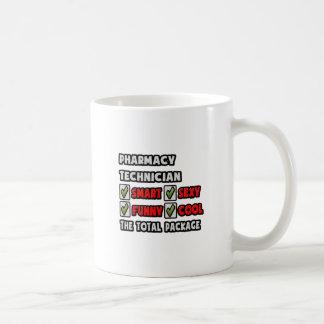 Técnico de la farmacia… el paquete total taza de café