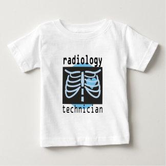 Técnico de la radiología playera