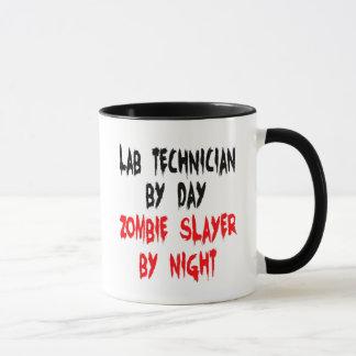 Técnico de laboratorio del asesino del zombi taza