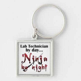 Técnico de laboratorio Ninja Llavero Cuadrado Plateado