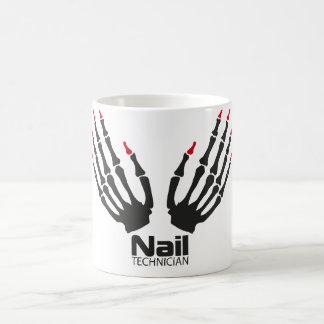 Técnico del clavo taza de café