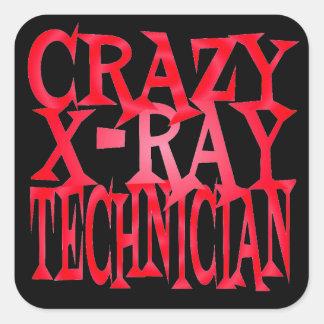 Técnico loco de la radiografía en rojo pegatina cuadrada