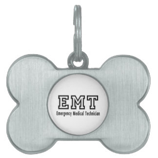 Técnico médico de la emergencia placas mascota