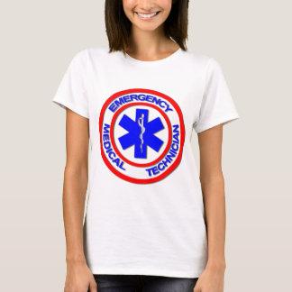 Técnico médico de la emergencia playera
