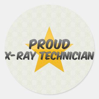 Técnico orgulloso de la radiografía pegatina redonda
