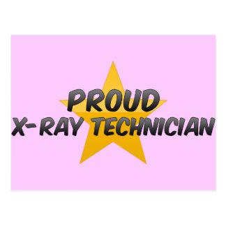 Técnico orgulloso de la radiografía tarjeta postal
