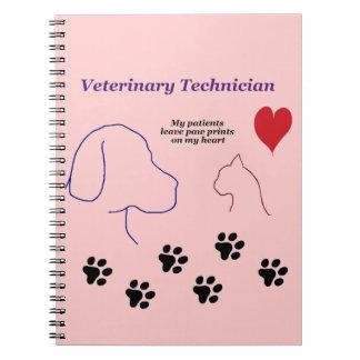 Técnico veterinario - impresiones de la pata en mi spiral notebook