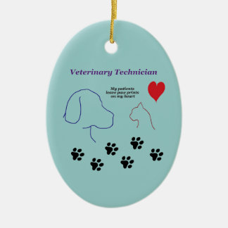 Técnico veterinario - impresiones de la pata en mi adorno ovalado de cerámica