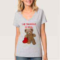 Teddy Bear with big heart Wants to Snuggle T-Shirt