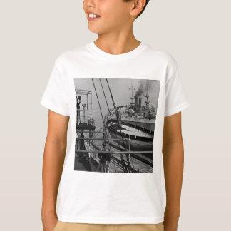 Teddy Roosevelt on the Mayflower T-Shirt