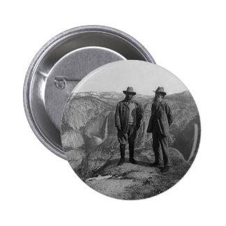 Teddy Roosevelt y John Muir en Yosemite Pin Redondo De 2 Pulgadas