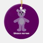 TeddyBear lindo bajo aniversario de la recuperació Ornamente De Reyes