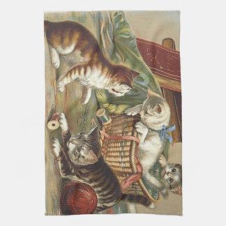 TEE Curious Cat Towel