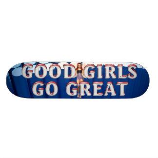 TEE Good Girls Skateboard