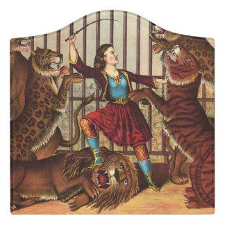 TEE Lion Queen Door Sign