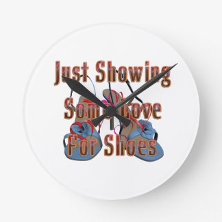 TEE Love for Shoes Round Clock