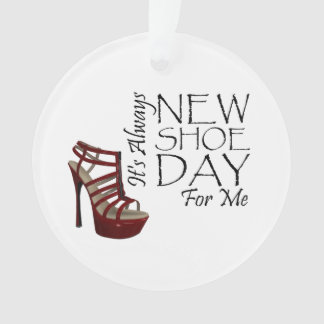 TEE New Shoe Day