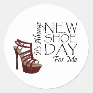 TEE New Shoe Day Classic Round Sticker
