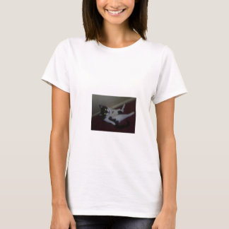 tee Shirt with a funny Cat picture on