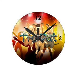 TEE Tru Dat Round Clock