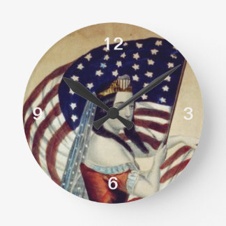 TEE Value Liberty Round Clock