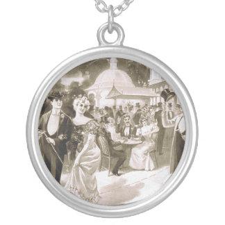 TEE Victorian Days Round Pendant Necklace