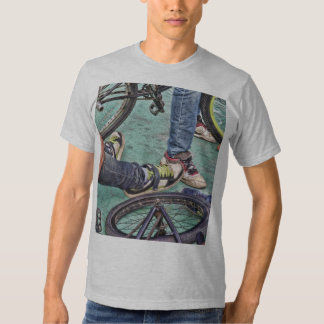 Teenagers and bikes poleras