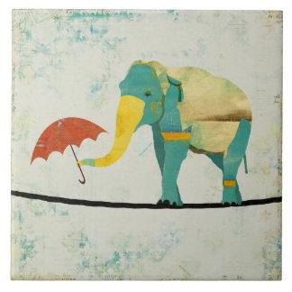 Teja agraciada del elefante del oro
