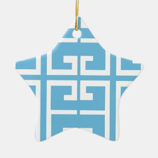 Teja azul clara y blanca adorno navideño de cerámica en forma de estrella