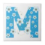 Teja azul floral bonita inicial del monograma M, t