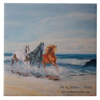 Teja, caballos en la resaca azulejo cuadrado grande