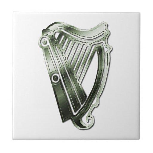 Teja céltica irlandesa de Trivet de la arpa del cr