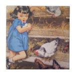 Teja-Chica de cerámica de la cocina con los huevos