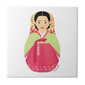 Teja coreana de Matryoshka del chica