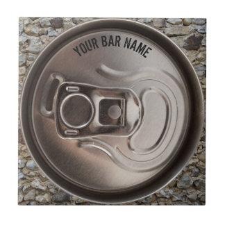 Teja de la lata de cerveza del dueño del Pub o de