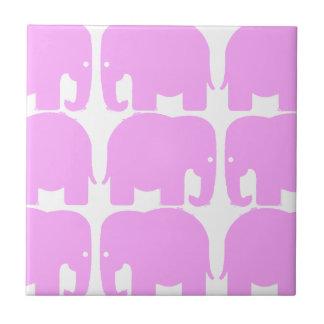 Teja de la silueta de los elefantes rosados