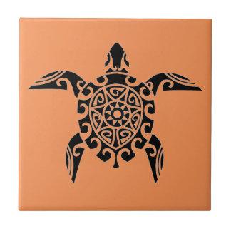 Teja de la tortuga del estilo del tatuaje del
