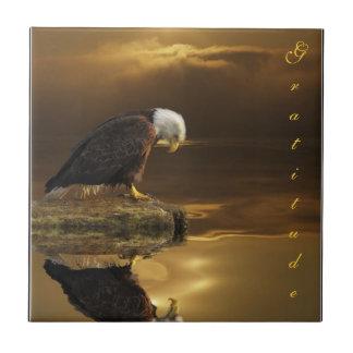 Teja decorativa de la gratitud de Eagle calvo