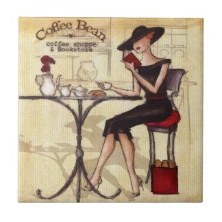 Teja elegante del café y del aficionado a los libr