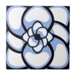 Teja, flor abstracta 3, blanco azul
