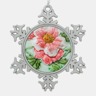 Teja floral del vintage adorno de peltre en forma de copo de nieve