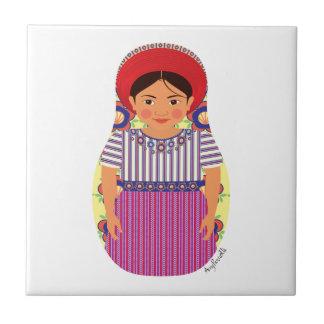 Teja guatemalteca de Matryoshka del chica
