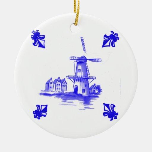 Teja holandesa azul adorno navideño redondo de cerámica