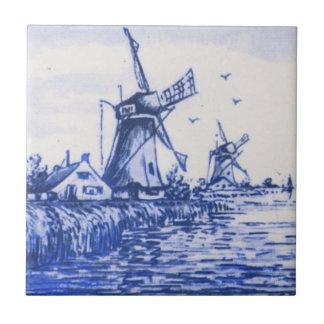 Teja holandesa azul antigua del molino de viento