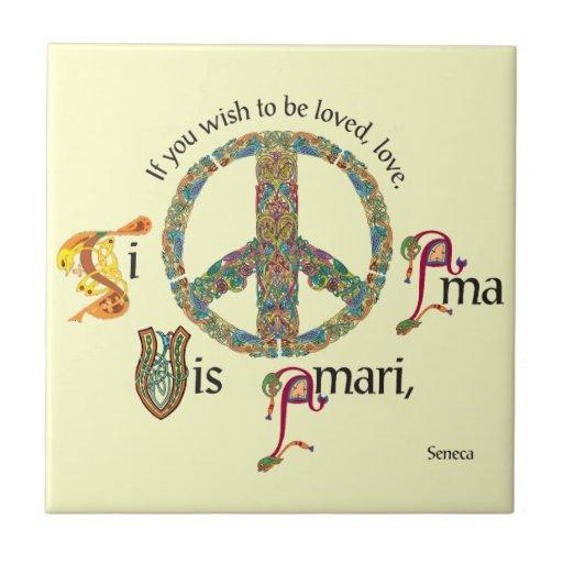 Teja latina inspirada con el signo de la paz