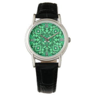 Teja marroquí floral, luz y verde de jade oscuro relojes